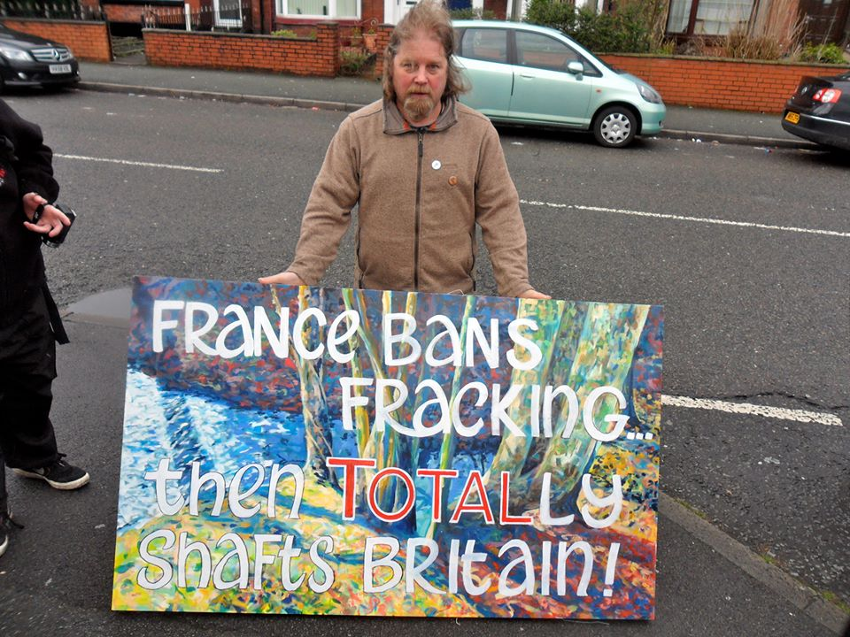 France bans fracking placard